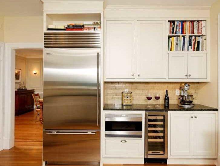 Допустимо ли ставить холодильник на холодильник