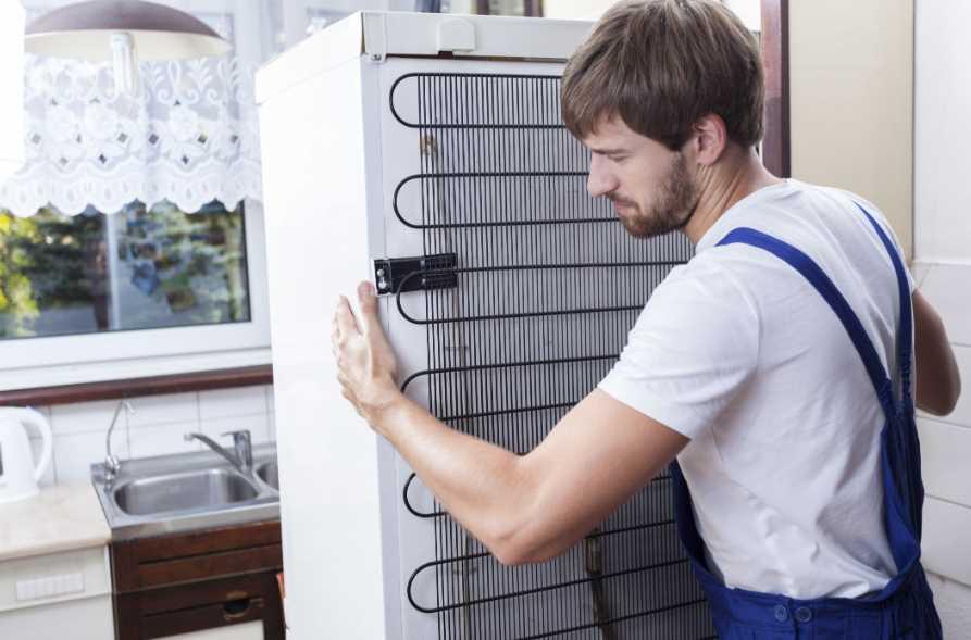 Как выровнять холодильник, если ножки только спереди