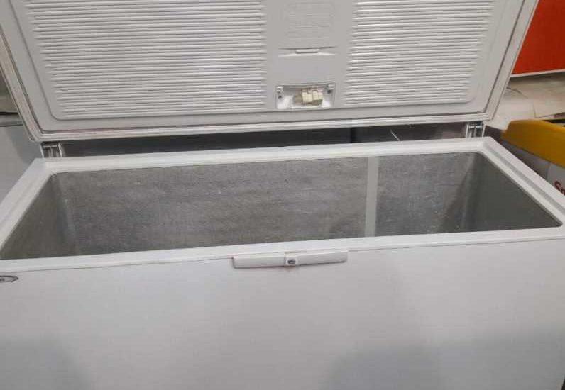 Морозильная камера в гараже зимой