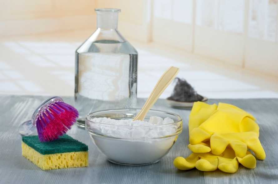 Чем и как правильно убрать плохой запах из морозилки